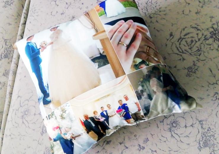 Подушка со свадебными фото