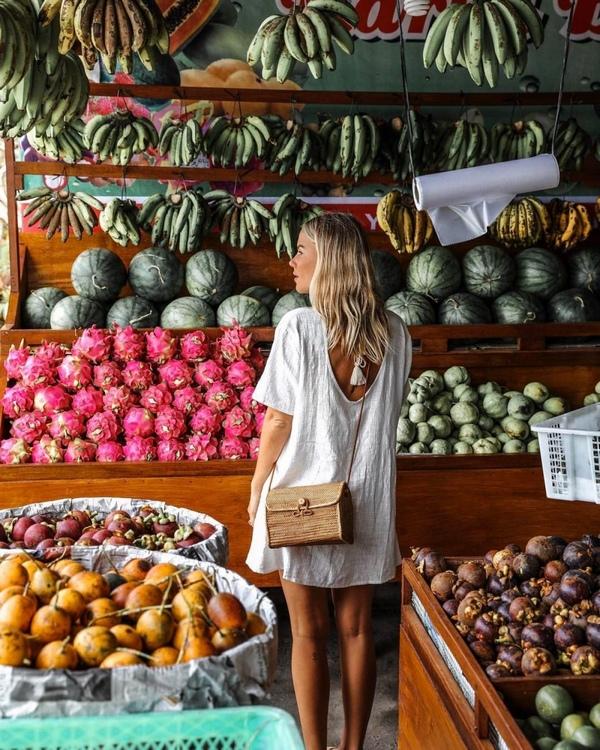 идеи красивых фотографий в магазине или на рынке для девушки