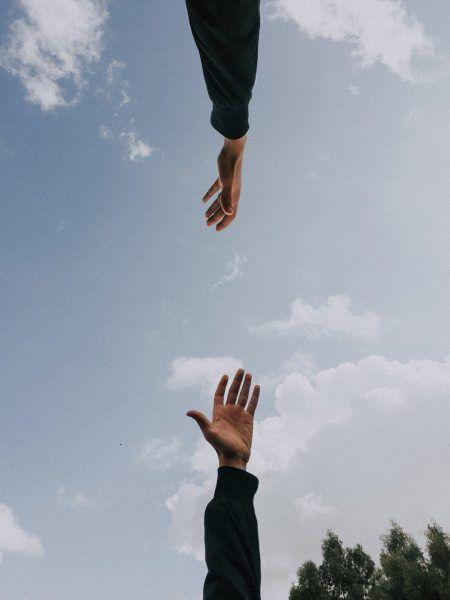 как прикольно сфоткать себя на фоне неба