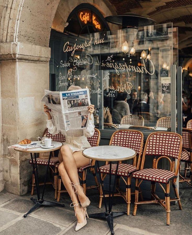 как можно сфотографироваться за столиком в кафе