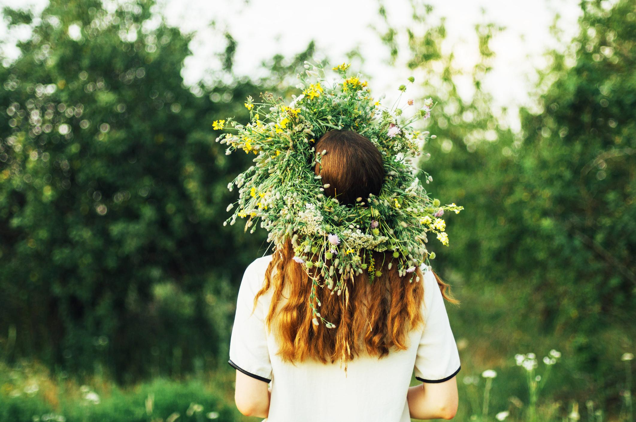 пышный венок из цветочков