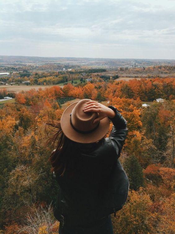 Идеи для фотосессии в шляпе осенью