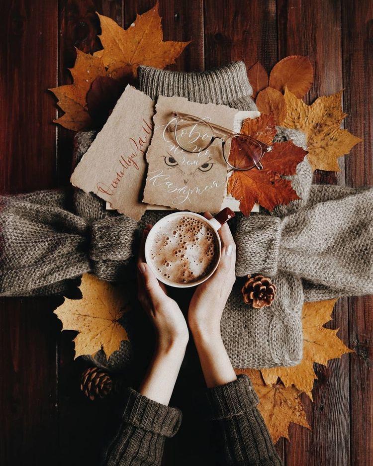 осенний флэтлей с листьями