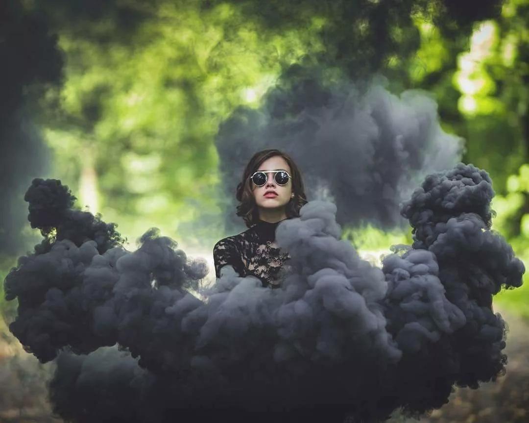 портреты в цветном дыму идея для съемки